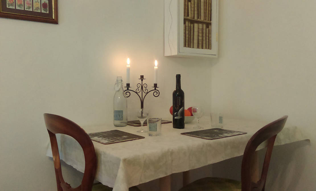 Gite Dining Space - romantic setting for couples